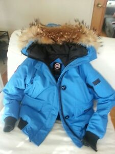AUTHENTIC CANADA GOOSE WOMEN