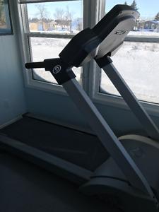 Diamondback by Fitworks Treadmill Professional grade