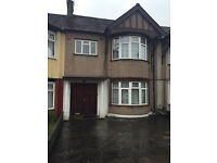 3 BED HOUSE WITH 2 RECEPTION: EASTERN AVE GANTS HILL IG2 6EJ (NO DSS CALLING)