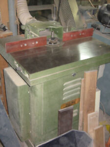 Wood Shaper with sliding table