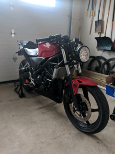 2011 Honda CBR 250R Never Dropped - includes all stock parts