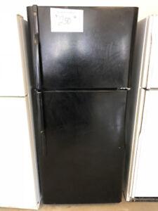 Réfrigérateur noir 30 pcs, GE