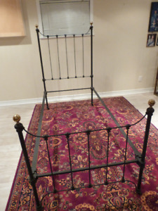 Antique / Vintage Single Iron Bed