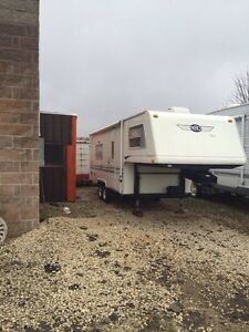 '97 Areo Fifth Wheel trailer