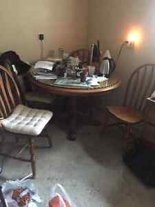 SOLID HEAVY OAK CUSTOM MADE DINGING ROOM TABLE AND 4 CHAIRS