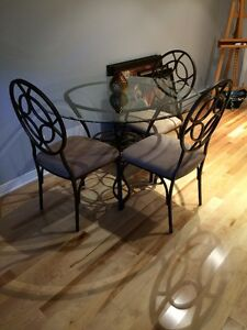 AMAZING DEAL...Get this table before it's gone!!!1