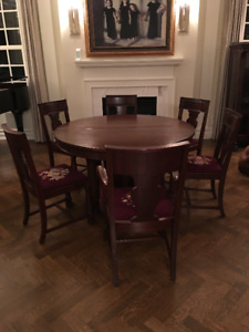 Antique lions paw mahogany dining suite