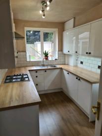 Kitchen fitter/joiner