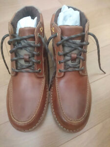 New Clarks Leather Boots US Size 9