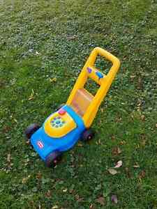 Little Tikes Popping Play Lawn Mower