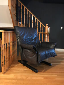 Full Grain Leather Extra Large Lounge Chair, $1000 new OBO