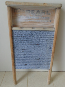 Antique Collectible Pearl Washboard