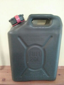 NEW - 20 Litre Military Style Fuel Can - Plastic