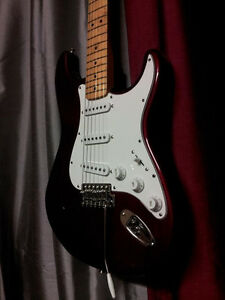 Fender Stratocaster MIM Candy Apple Red