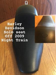 Solo seat Harley Davidson off 2009 night train