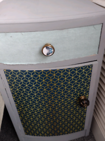 Free bedside table