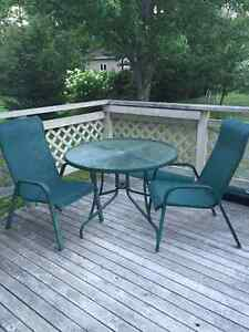 Reduced !! Patio set with 2 chairs
