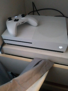Xbox One S + 3 jeux