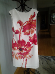 Beautiful Ralph Lauren Floral Dress - Size 8