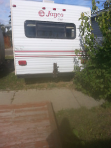 STEAL OF A DEAL      JAYCO  EAGLE  5TH WHEEL