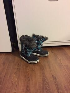 Girls Cougar winter boots, size 1