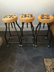 !!!3 STYLISH COUNTER TO BAR HEIGHT STOOLS!!!