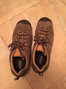 Keen hiking boots, men's size 10