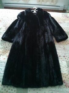 Manteau de vison noir - offre imbattable
