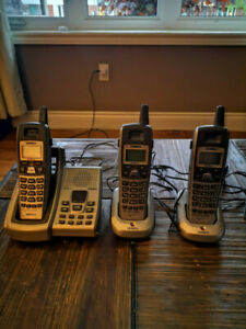 3 Handset Cordless Home Phone/Answering Machine