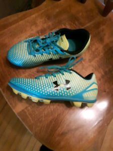 Kids cleats size 13 youth