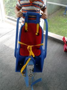 chaise bebe pour vélo , s accroche au velo adultse