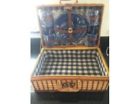Quality picnic set.