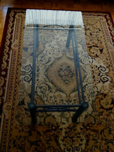 Beautiful glass coffee table with side tables - make me an offer