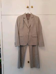 0c630b0d4d3 Rivette and Blair Women  39 s grey jacket