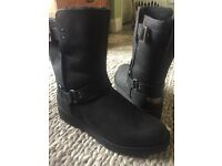 Brand new genuine ugg boots size 7 1/2