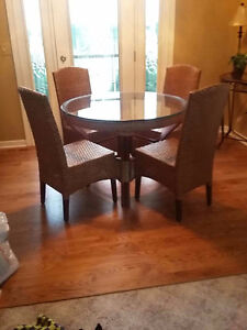 BEAUTIFUL RATTAN DINING SET FROM PIER ONE