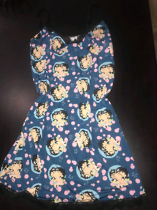 Size 12/14 Betty Boop Nightie Southport Gold Coast City Preview