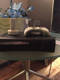 Xbox 360 Elite - 20gb HDD, broken disc drive