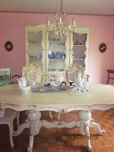 mobilier de salle à diner