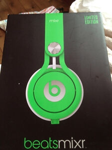 Green Beats Mixrs signed by David Guetta
