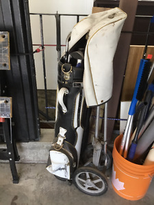 mens right handed golf club set and trolley