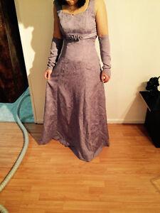vêtement de femme small. Robe de bal Lac-Saint-Jean Saguenay-Lac-Saint-Jean image 3