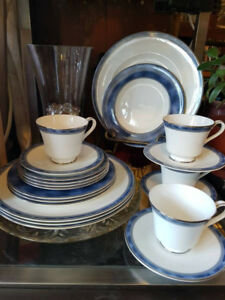 Royal Doulton Dish Set