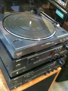DENON am/fm Receiver .. Vintage Speakers &Turntable included London Ontario image 1
