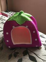 Small Strawberry pet basket