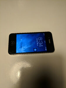 Apple Iphone 4 32GB, locked to fido