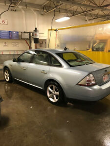 Ford Taurus excellent condition