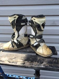 Thor motorcross boots size 2