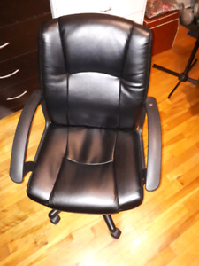 Perfect Computer Chair *sold ppu*