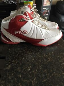 Size 12 1/2 Fila runners